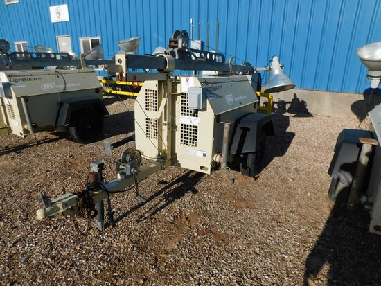 (5466) INGERSOLL RAND LIGHT TOWER, P/B KABOTA 3 CYL DIESEL, MANUAL WINCH, SHOWS