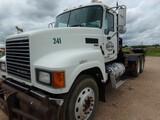 Located in YARD 16 La Grange, TX - Tom 979-249-7163 (X) (8658) 2014 MACK T/A WIN