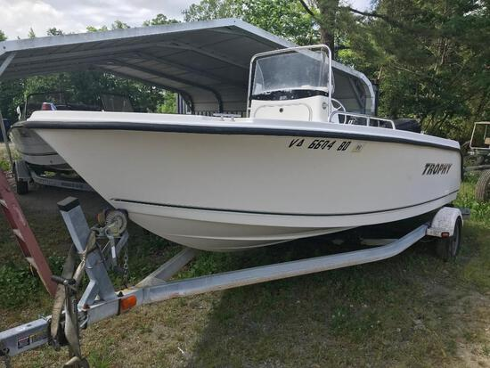2003 Trophy Center Console Boat
