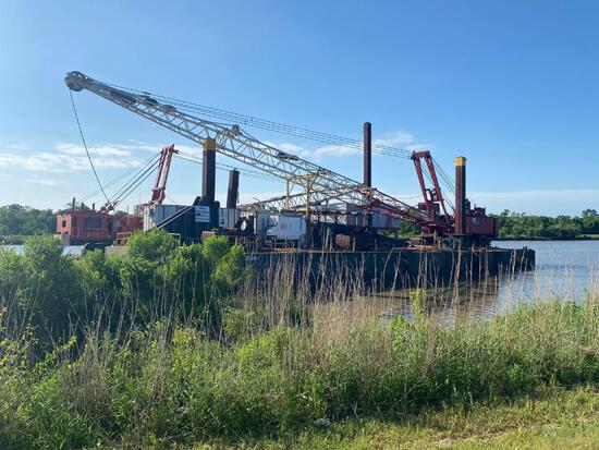Freight Barge with Manitowoc 4600 Crane