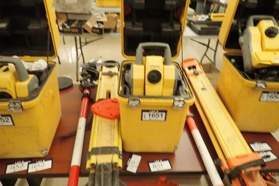 Trimble 5603DR 200+ Laser Level w/ Tri-pod and Levelling Rod w/ Rod Level.
