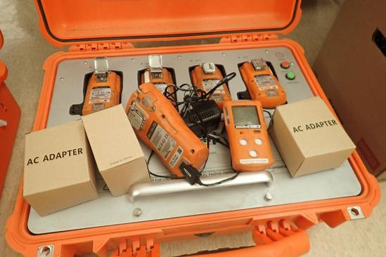 Lot of 6 Gas Clip MGC-IR Personal Gas Monitors, MGC Pump Personal Gas Monitor w/MGC Monitor Dock.