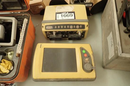 TopCon MC-R3 3D GPS System w/TopCon GX-60 LCD Screen.