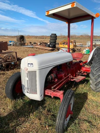 Ford 9N Tractor. Canopy, 3-pt Hitch, 540 PTO, 10-28 Rear Tires. **NOT RUNNING**