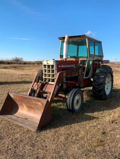 Cockshutt 1650 2WD Tractor. Showing 6,504hrs. SN 265420069. **NOT RUNNING**