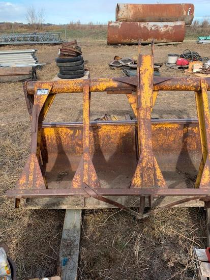 Lot of 7' Bucket and Grapple and pallet of Hydraulic Rams and Pins.