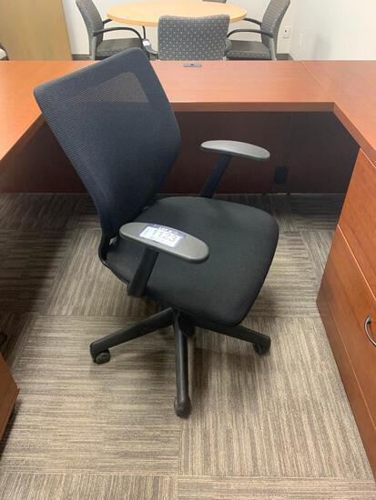 Task Chair.