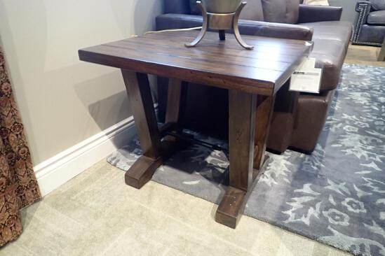 """Stein Westport 24""""x26"""" End Table."""