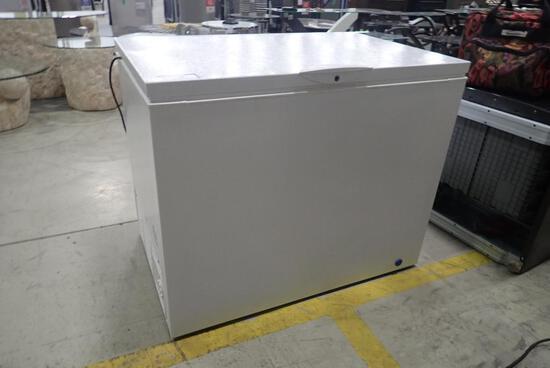 Frigidaire FFC13C6CW2 White Chest Freezer-USED.