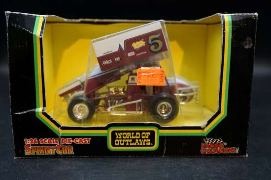 Racing Champions Inc. World of Outlaws 1:24 Die Cast Sprint Car
