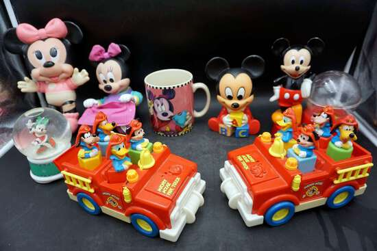 Lot of 8 Mickey Mouse assortment
