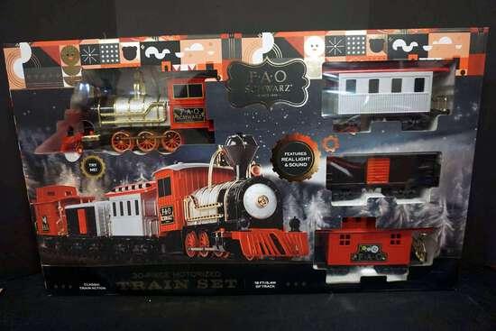 FAO Schwarz, 30 pc motorized train set