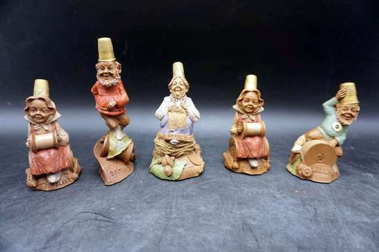 Thimble figures, lot of 5