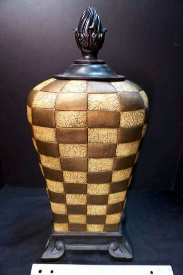 Checkered Urn with lid