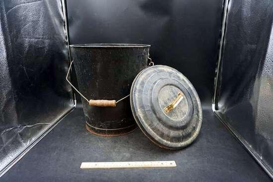 Black Galvanized Bucket w/ Lid
