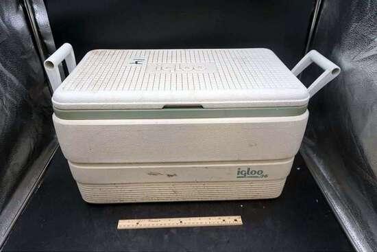 White igloo cooler
