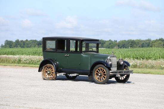 1922 Cleveland Model 41 Sedan