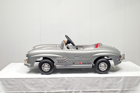 Mercedes-Benz 300SL Battery-Operated Car