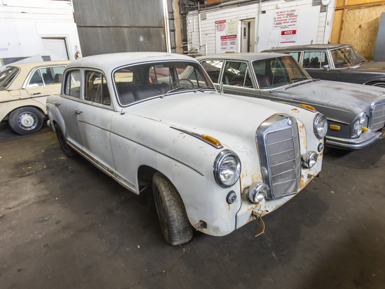 1959 Mercedes-Benz 220S Ponton Sedan