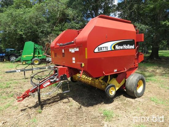 New Holland BR770 Baler