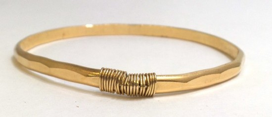 14K Yellow Gold Hammered Bangle Bracelet 12.75g