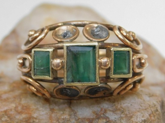 14K Gold Emerald Scrolled Wire Domed Ring 5.4g