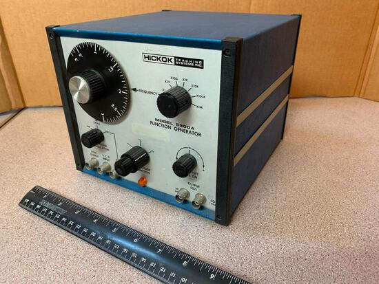 Hickok Teaching Systems Inc. 5900A Function Generator