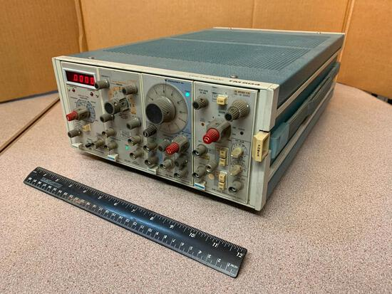 Tektronix TM-504 Chassy w/ DC504 Counter Timer AM502 Diff Amp PG501 Pulse Gen FG502 Function Gen