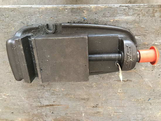 Standard duty drill press vise