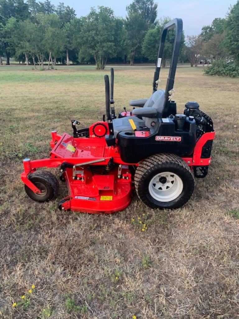 Gravely Pro-turn 460 commercial zero turn mower