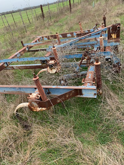 FORD MODEL 33 CHISEL PLOW