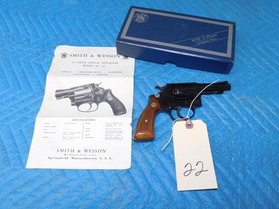 Smith & Wesson .38 Chiefs Special Revolver Model 36 w/ Original Box & Instructions