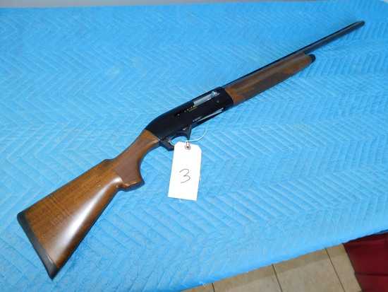 Benelli Montefeltro 20 GA Shotgun 76 mm for 2-3/4 or 3'' Shells w/ original box & extra chokes.
