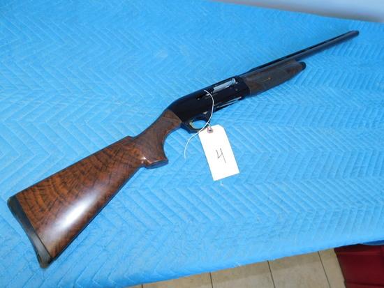 Benelli Ultra Light 12 GA Shotgun 76 mm for 2-3/4 or 3'' Shells
