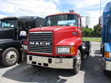 1996 MACK CH613 Conventional