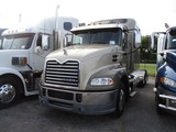 2013 MACK CXU613 Pinnacle Conventional