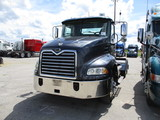 2005 MACK CX613 Vision Conventional