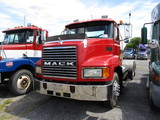 1999 MACK CH613 Conventional