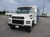 1989 MACK CS200 Midliner Beverage Truck
