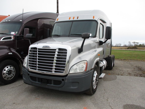 2014 FREIGHTLINER CA12564ST Cascadia Conventional