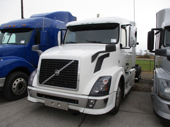 2014 VOLVO VNL64T-630 Conventional