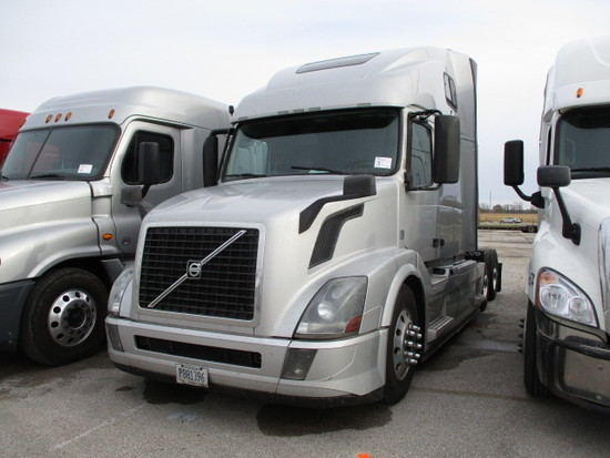 2016 VOLVO VNL64T-670 Conventional