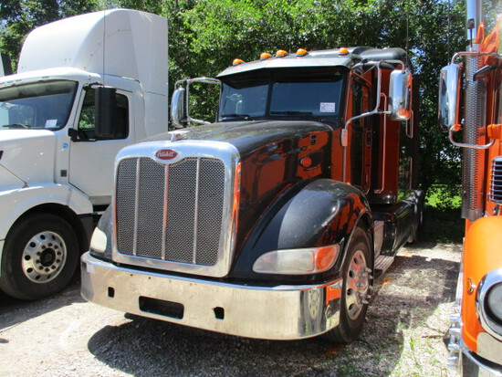 2013 PETERBILT 386 Ultra Cab Conventional