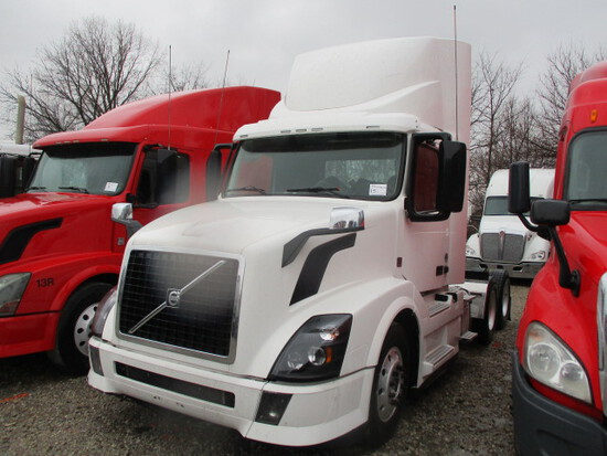 2014 VOLVO VNL64T Conventional
