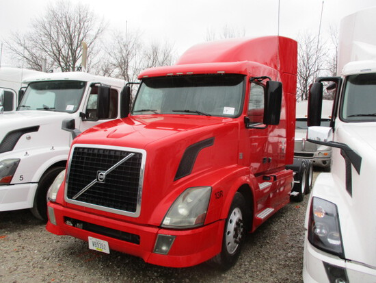 2012 VOLVO VNL64T-630 Conventional
