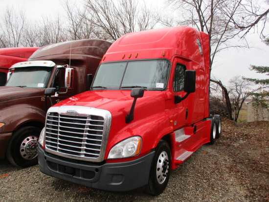 2016 FREIGHTLINER CA12564ST Cascadia Evolution Conventional