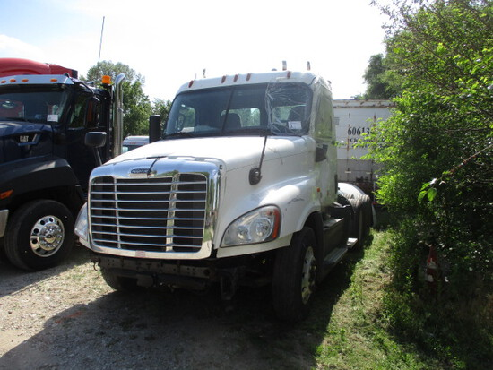 2018 FREIGHTLINER CA12564ST Cascadia Conventional