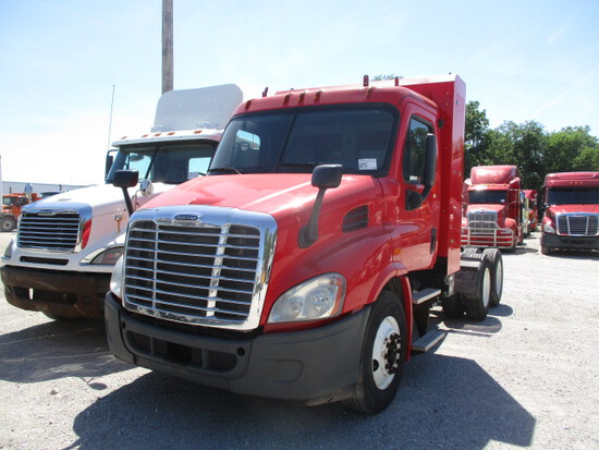 2014 FREIGHTLINER CA11364ST Cascadia Conventional