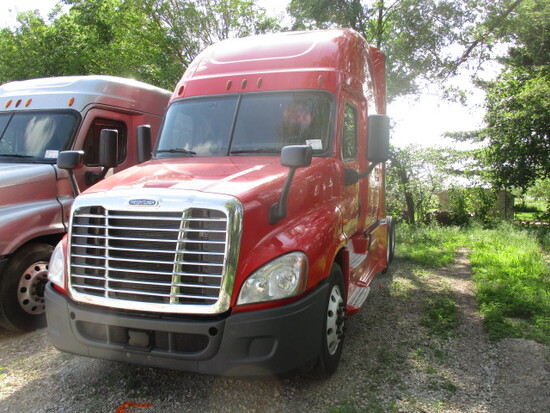 2016 FREIGHTLINER CA12564ST Cascadia Conventional