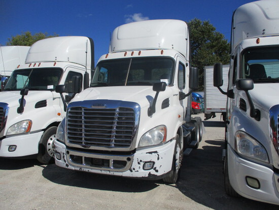 2016 FREIGHTLINER CA11364ST Cascadia Conventional